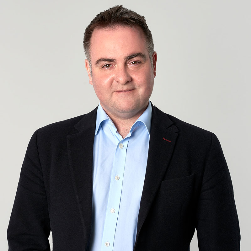 Simon Worrell